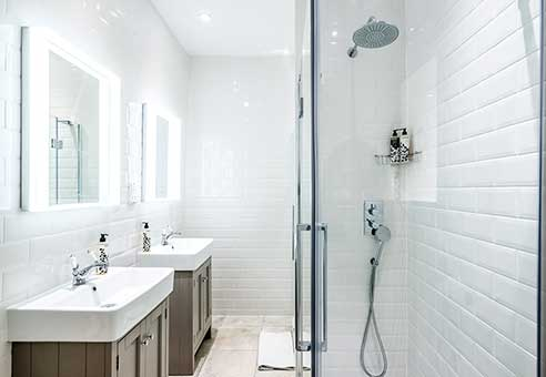 Luxury Fittings Walk in Showers at our Bath Townhouse Rental